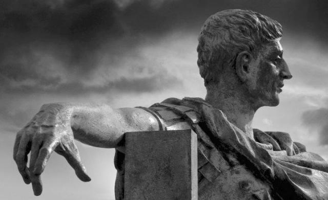 Зеркало для героя: Матрица и Римская империя