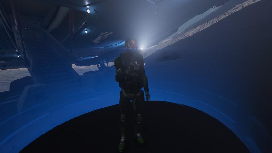 Elite: Dangerous: Наперегонки с тенью