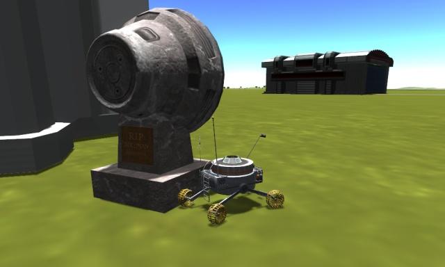 Kerbal Space Program: Ровер-маяк рядом с памятником старому командному модулю на территории KSC-1