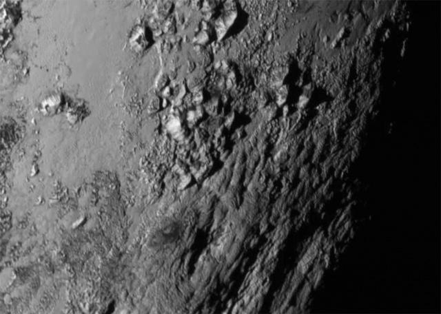 Космос: Красавец Плутон