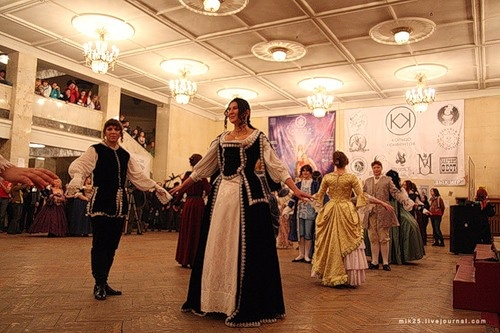 Блог им. Shkoornik: Да, кавалеры массово филонят и уклоняются от участия.