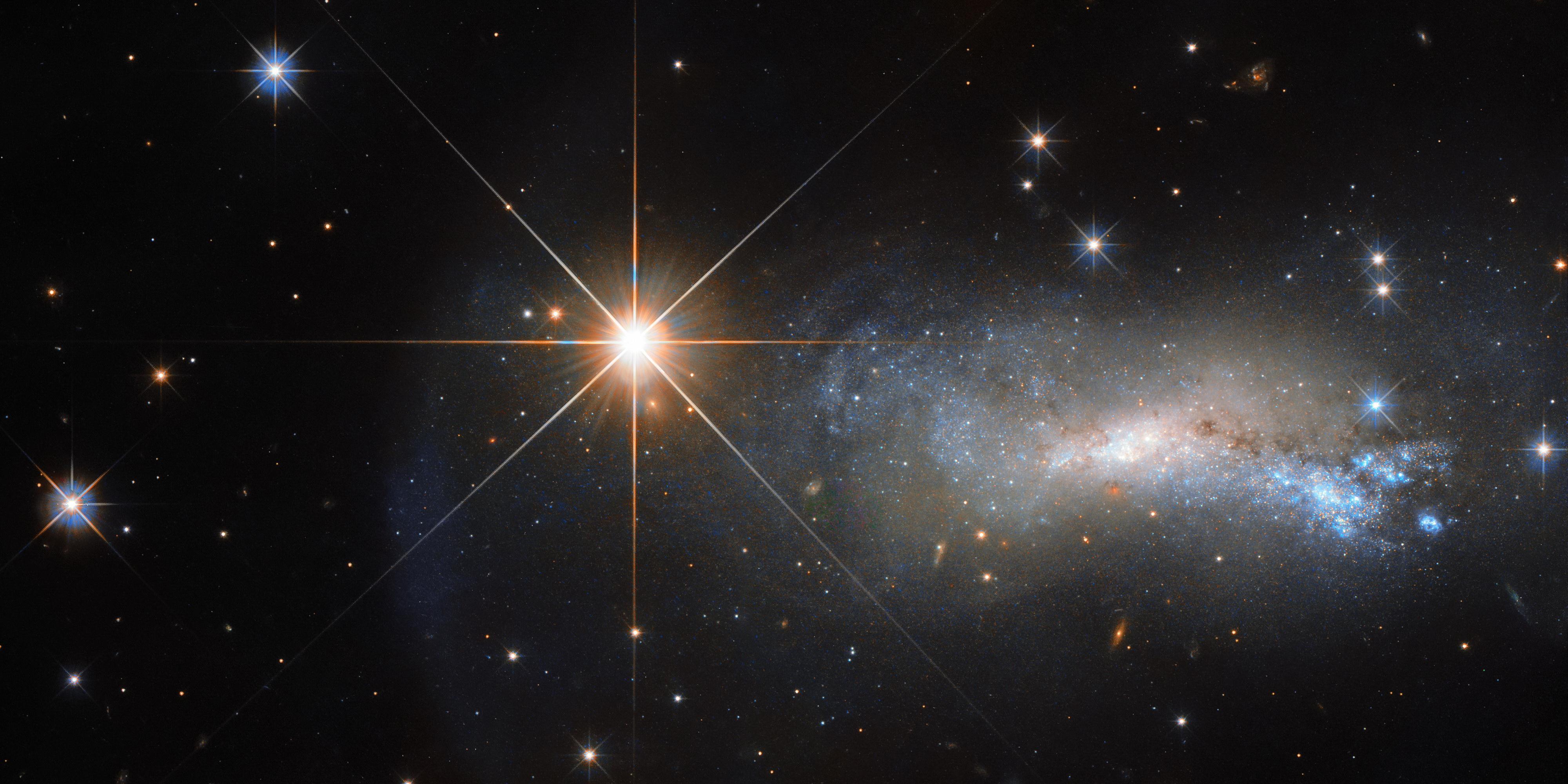 Космос: Искра света